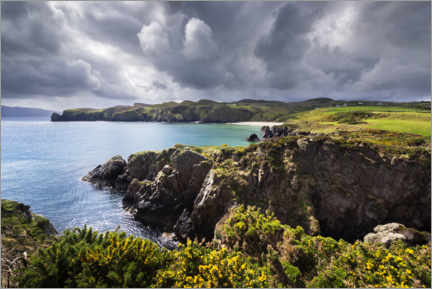 Lerretsbilde  Threatening clouds over the coast and bays of Ireland - The Wandering Soul