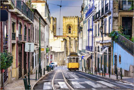 Plakat Tram in front of the Catedral Sé Patriarcal, Lisbon