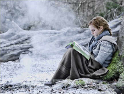 Plakat  The Deathly Hallows I - Hermione with her book